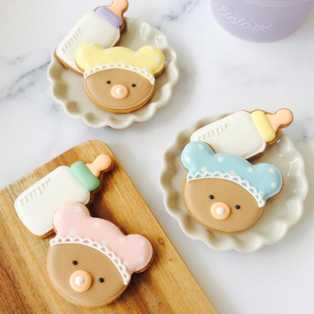 BABYくまと哺乳瓶のクッキー