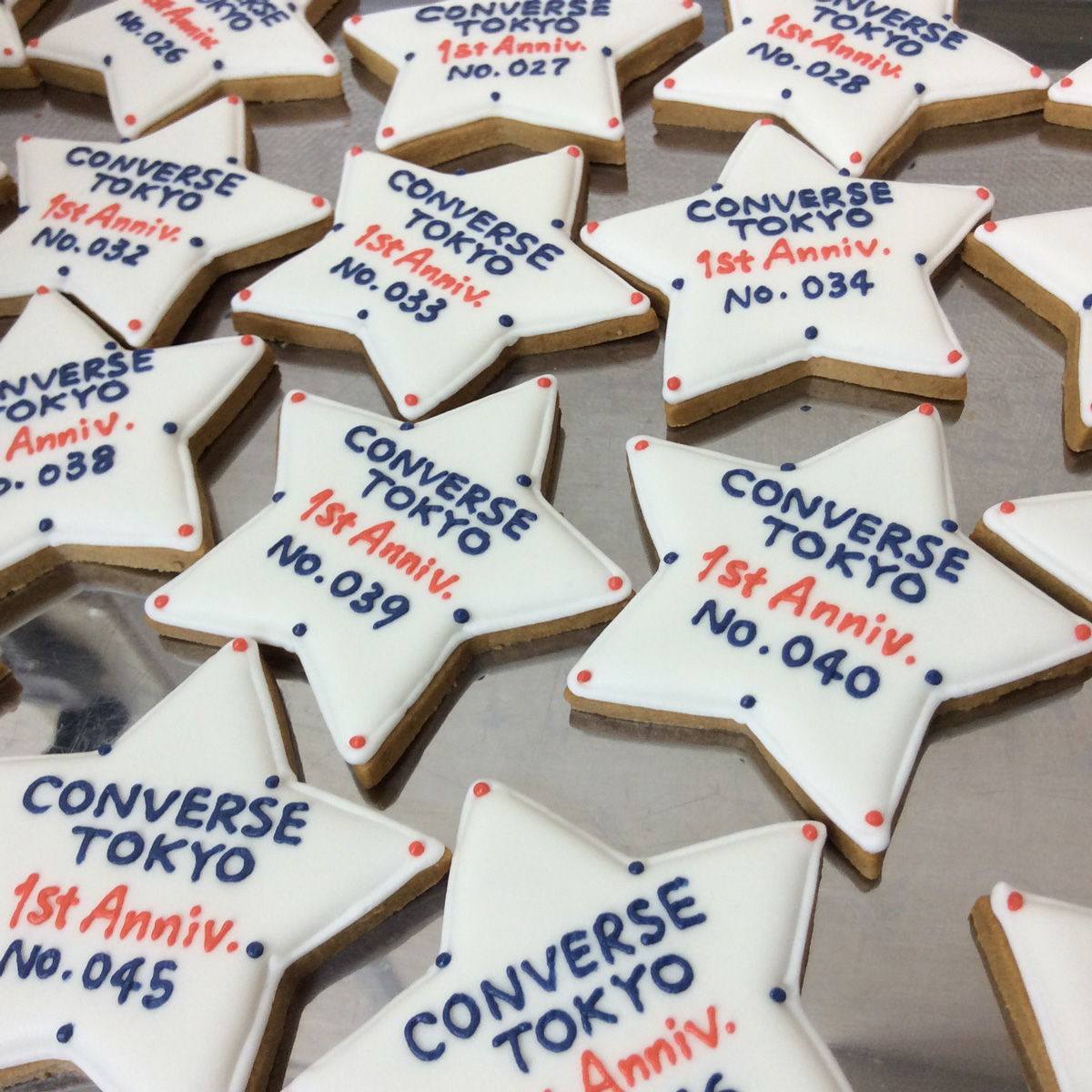 「CONVERSE TOKYO」1周年記念ノベルティクッキー